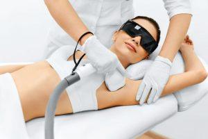 women performing HIFU treatment